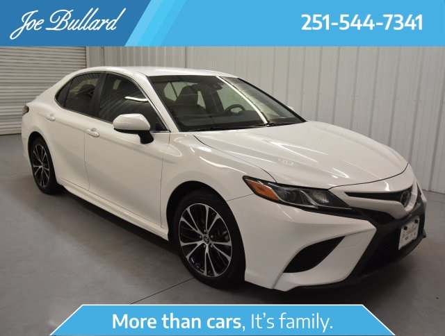 Pre-Owned 2018 Toyota Camry SE